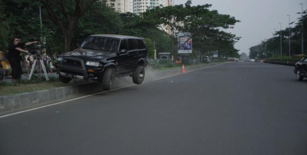 The-Raid-2-Car-Chase